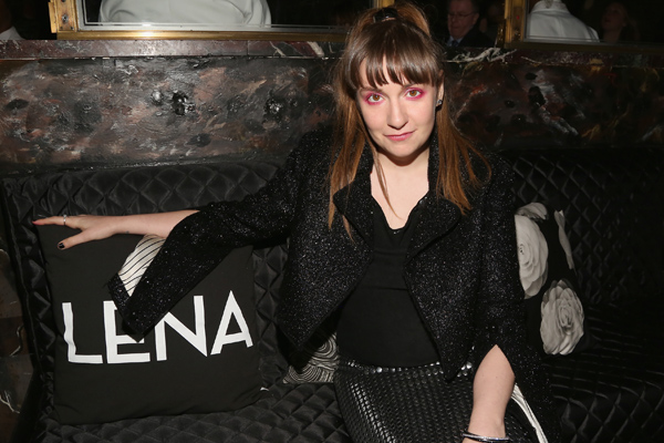 Lena Dunham's eye makeup has been very '90s lately, and we're fans of this bold look