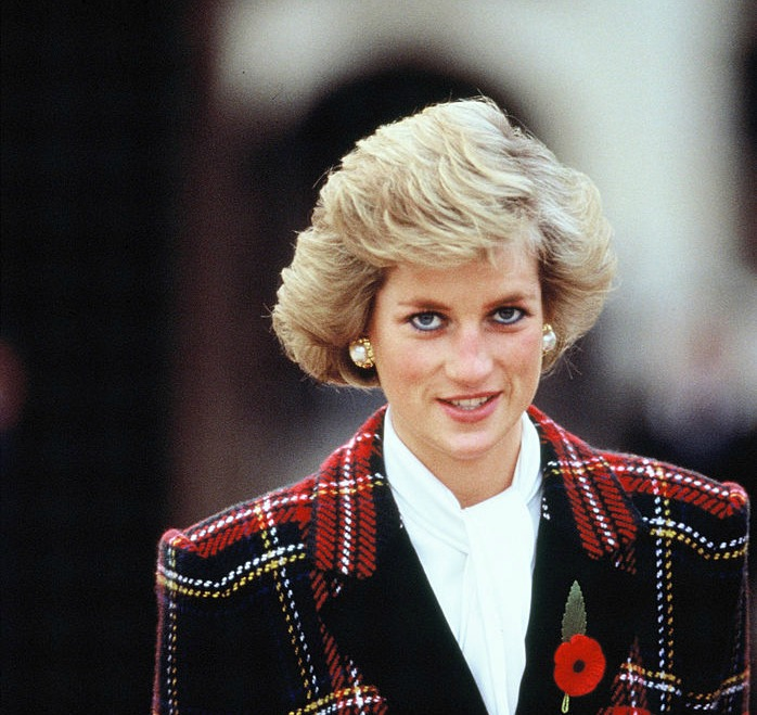 """""""Harper's Bazaar"""" U.K. will pay tribute to the late Princess Diana with this stunningly gorgeous throwback cover"""