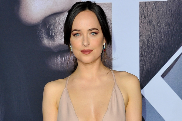 """Dakota Johnson had a completely understandable way to prep for sex scenes in """"Fifty Shades"""""""