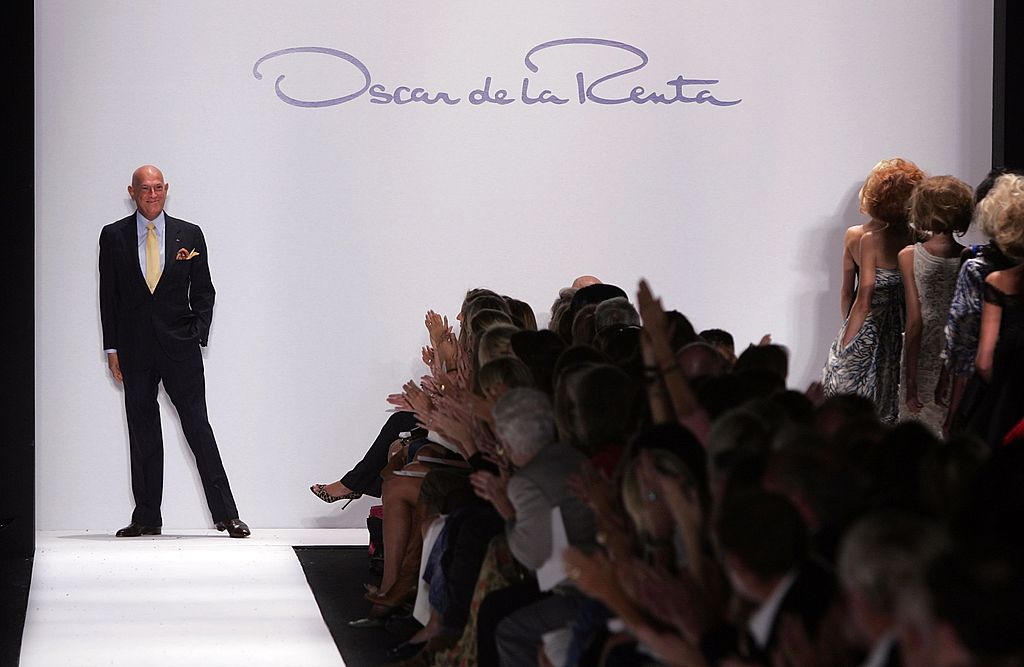 Your mail can be très chic with these Oscar de la Renta stamps
