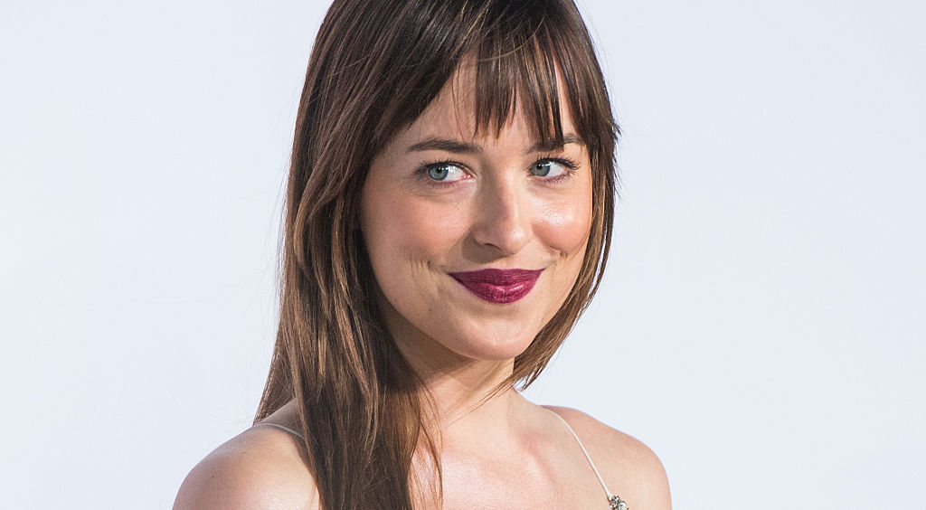 Dakota Johnson reacted to Beyoncé's pregnancy like a total fangirl, which is the only way to react, to be honest