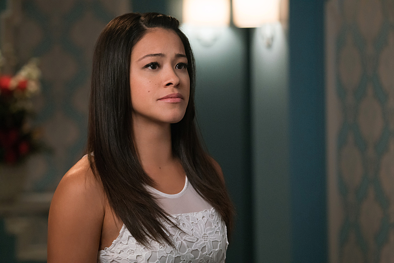 "Stop crying, the ""Jane the Virgin"" showrunner promises *that* character will come back again"