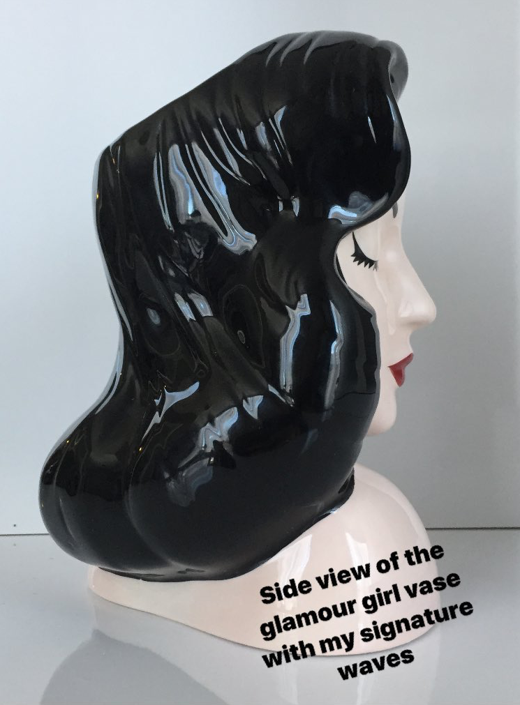 You Can Now Keep Your Makeup Brushes In A Holder Shaped Like Dita Von Teese S Beautiful Head