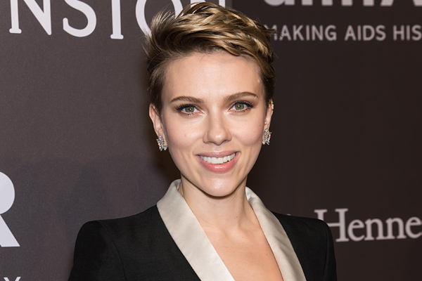 Scarlett Johansson struggles with being a working single mother too, and we appreciate her honesty