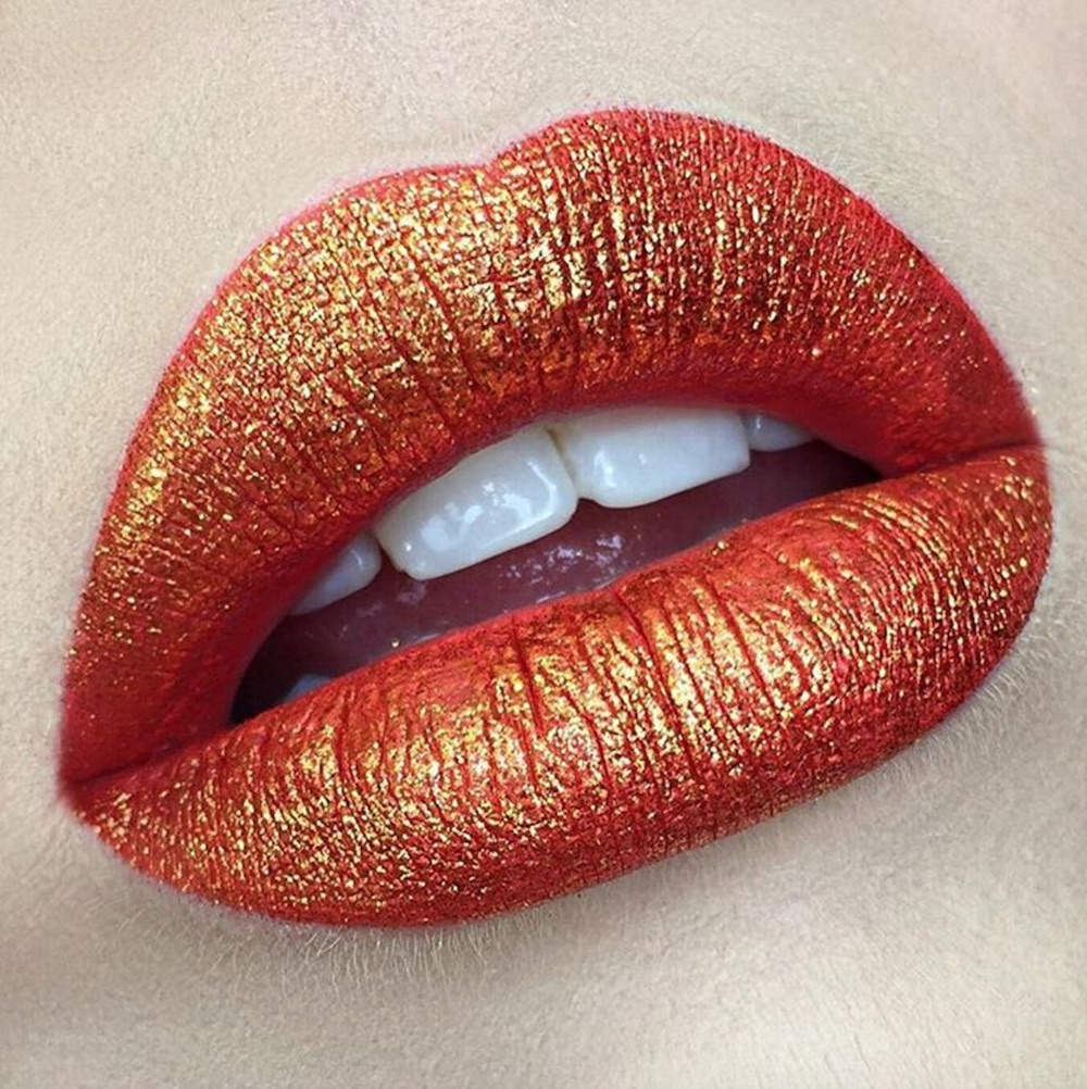 This makeup artist creating a custom lip palette for New York Fashion Week is SO hypnotizing