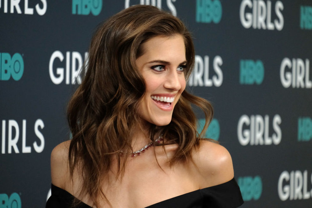 Allison Williams looks like Evan Rachel Wood now, thanks to her new hair and new style
