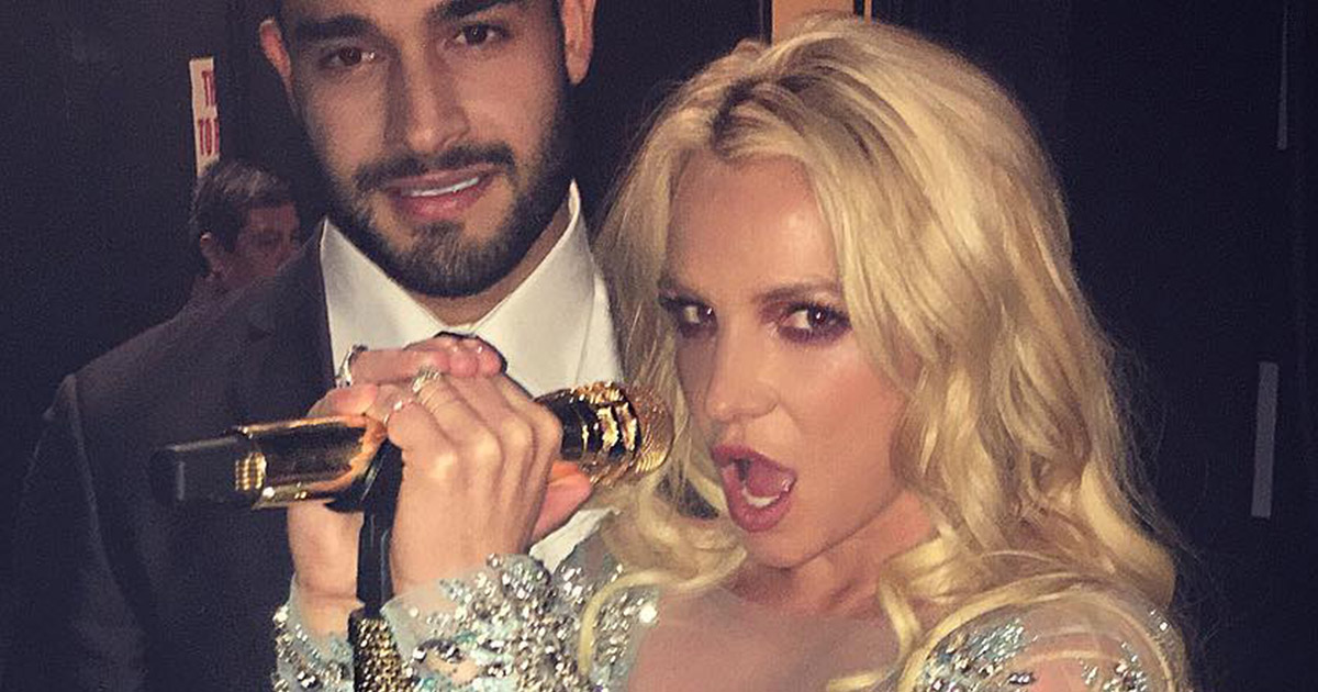 Britney Spears and her new boo looked like they had the BEST time at this pre-Grammys party