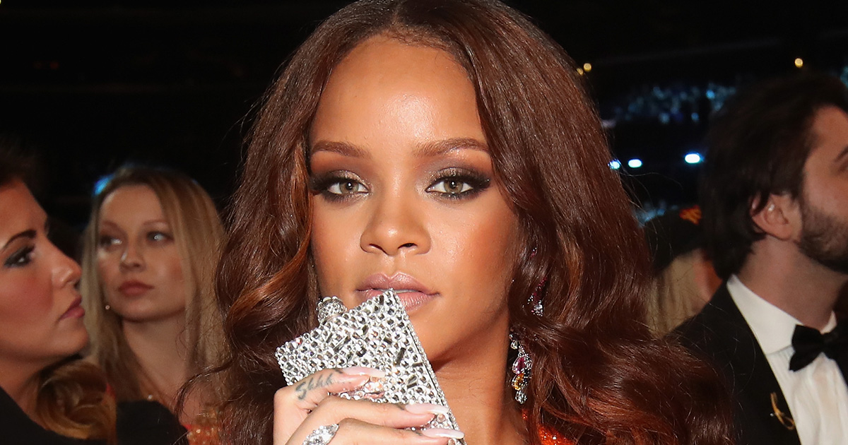Rihanna and her sparkly hip flask had the most relatable moments from the Grammys