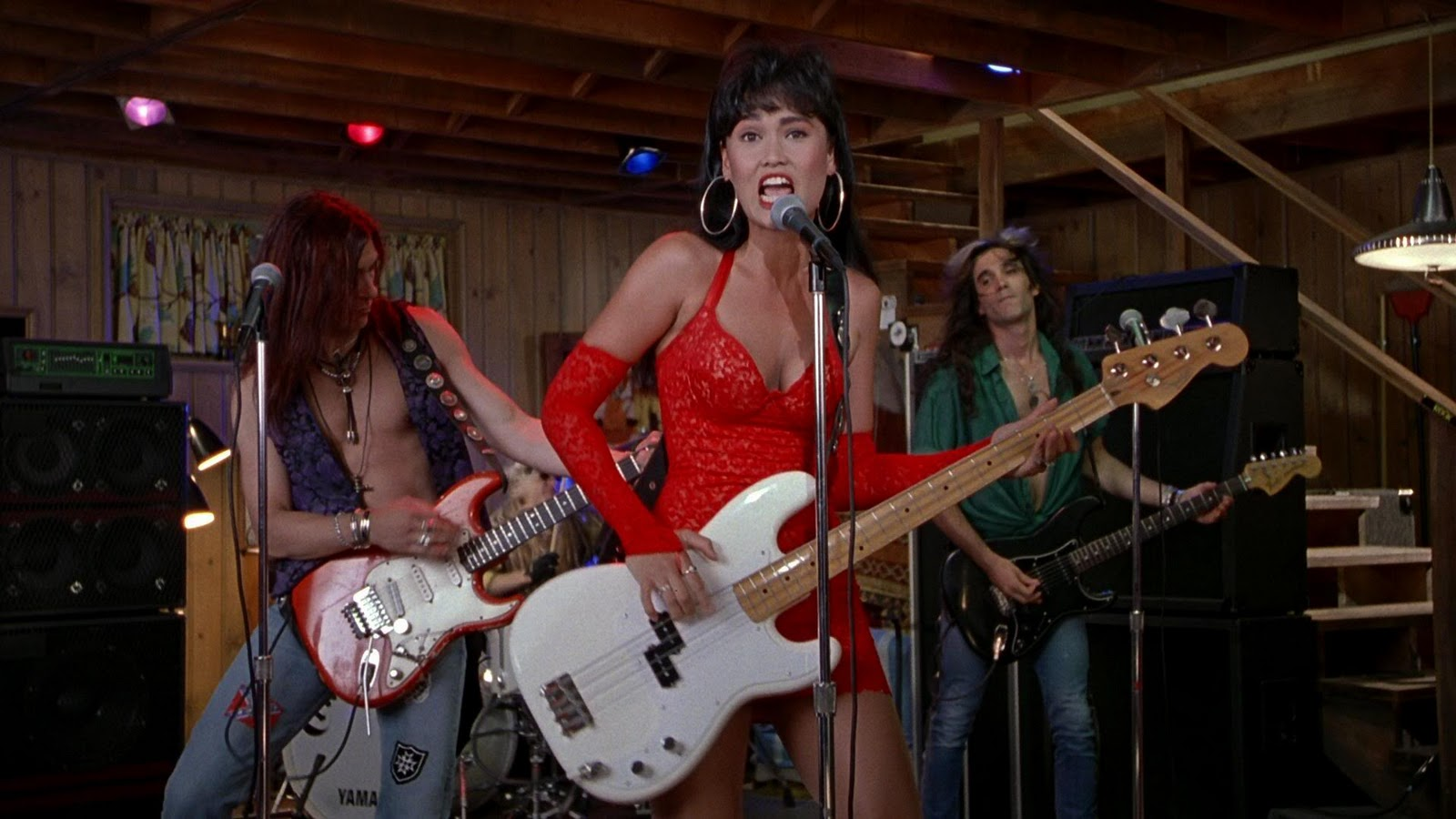 """Here's how to copy Tia Carerre's outfits in """"Wayne's World,"""" even though we're NOT WORTHY"""