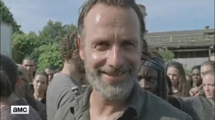 "Oh, so this is why Rick was smiling at the end of the mid-season premiere of ""Walking Dead"""