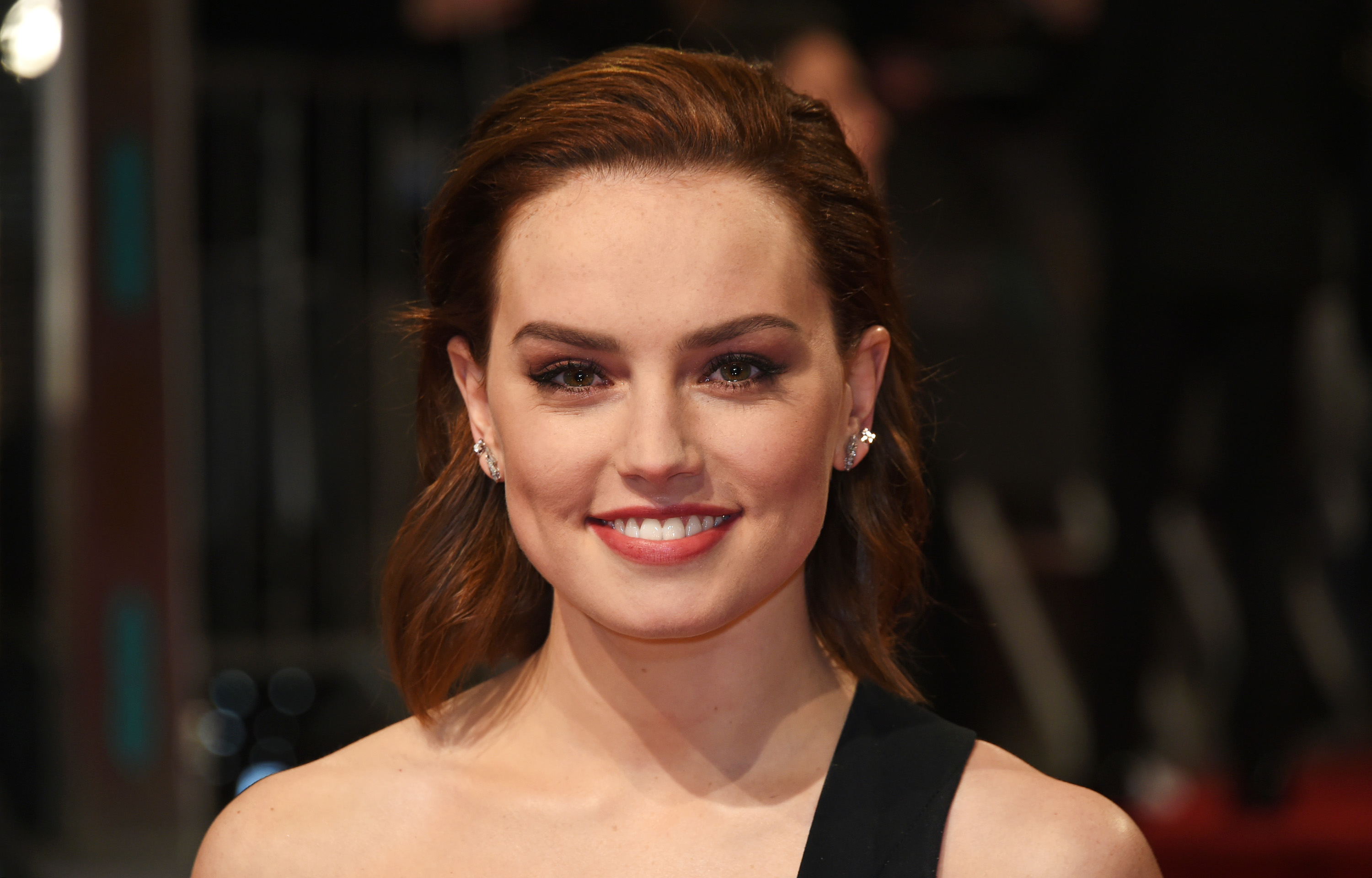 Daisy Ridley looks ready to crash a garden tea party in a dress that screams SPRING