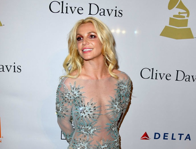 Britney Spears's pre-makeup and hair selfie for the Grammys is more glam than all of us IRL