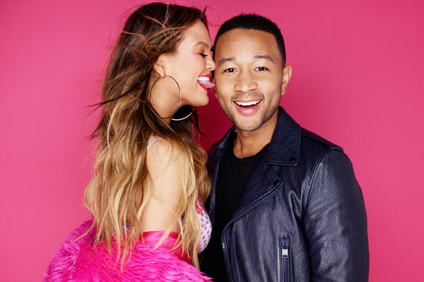 """Chrissy Teigen and John Legend singing """"Ordinary People"""" at each other will restore your faith in romance"""