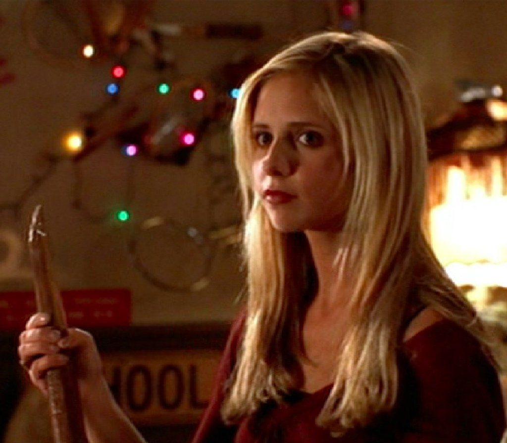 """Sarah Michelle Gellar just shared a """"Buffy""""-themed valentine and it's slaying us"""