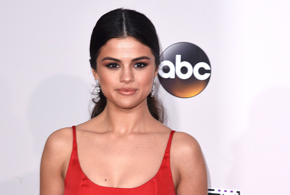 Selena Gomez's Valentine's Day glam is the makeup look of our dreams