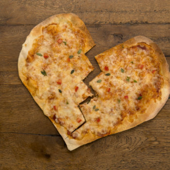 These hilarious heart-shaped pizza fails remind us that it's the thought that counts