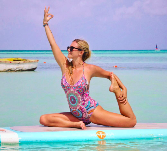 This yogi shared a photo to highlight the difference between real yoga and insta-yoga