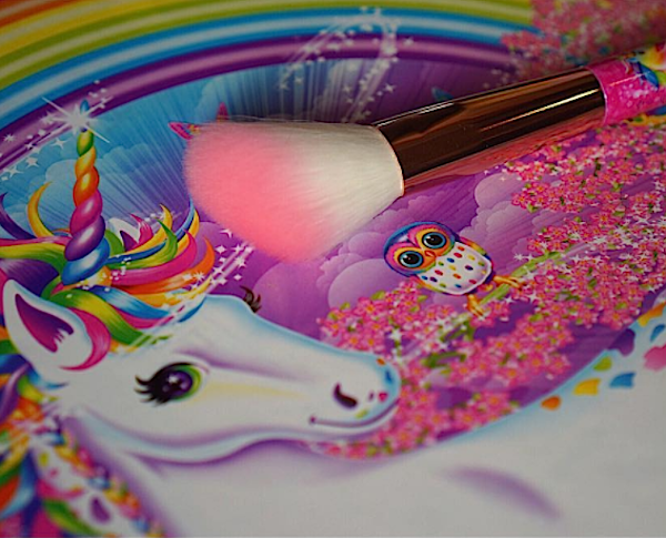 Lisa Frank is teaming up with Glamour Dolls on the ULTIMATE unicorn makeup brush collab