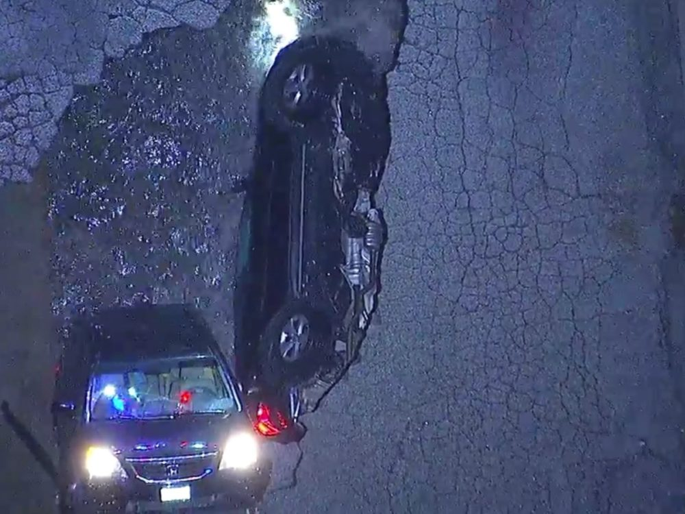 A sinkhole just opened up in Los Angeles, and It. Is. Terrifying.