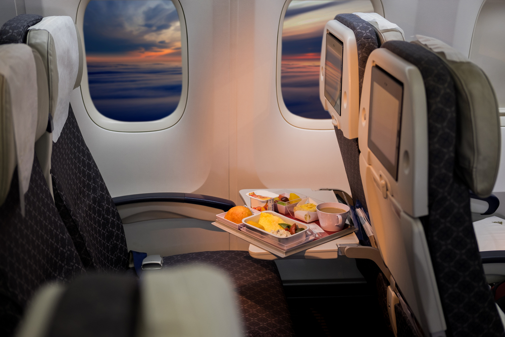 One airline is bringing back free in-flight meals, and sign us up!