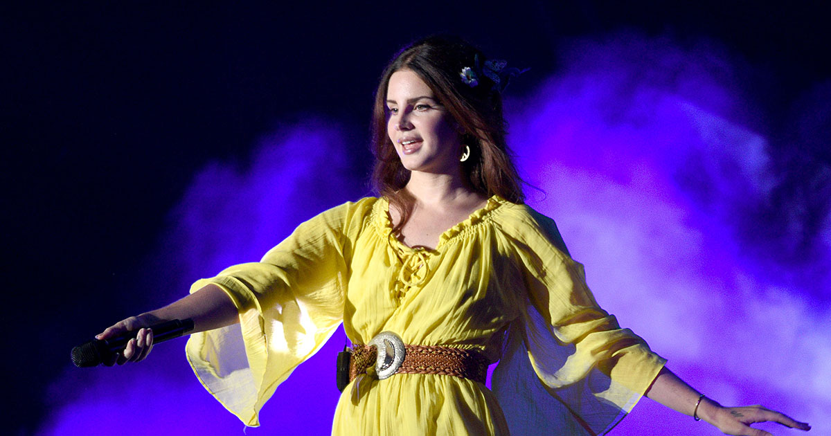 Lana Del Rey shared some lo-fi videos of herself singing her new song, and they're hypnotizing