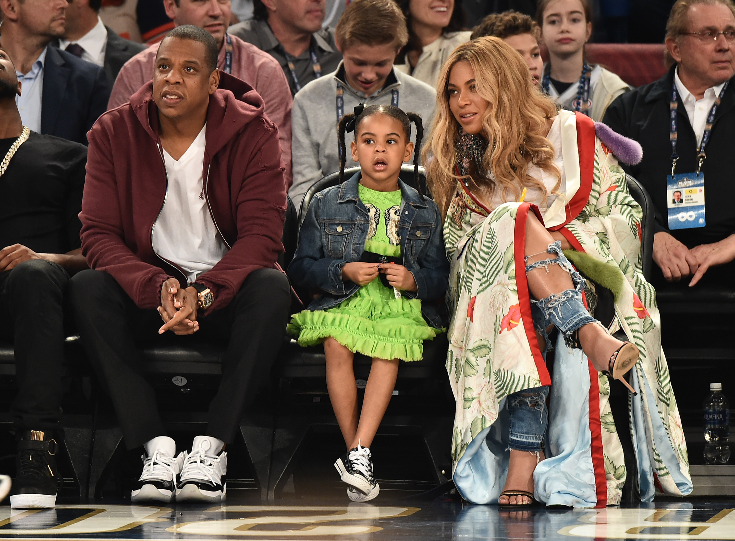 Beyoncé had a total blast sitting courtside with Blue Ivy ...