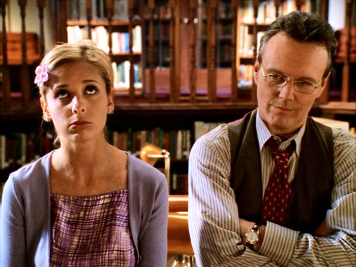 Sarah Michelle Gellar and Anthony Head just had an emotional Buffy-Giles Twitter reunion