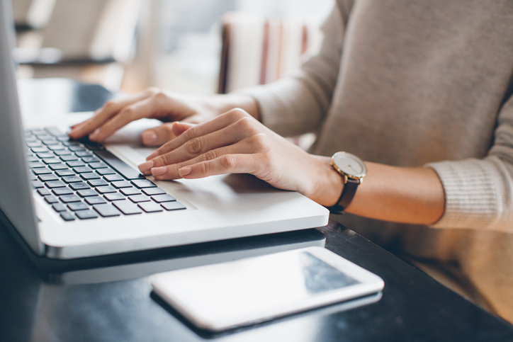 You've probably been signing your emails the wrong way