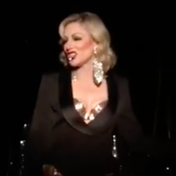 Cate Blanchett does drag as Cate Blanchett, because she's a damn queen