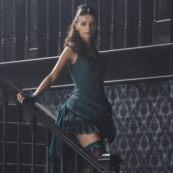"""""""Westworld"""" star Angela Sarafyan shuts down the red carpet in a stunning ~sheer~ gown"""