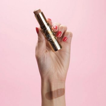 We can finally contour like Kim Kardashian with Benefit's new Hoola Quickie Contour Stick