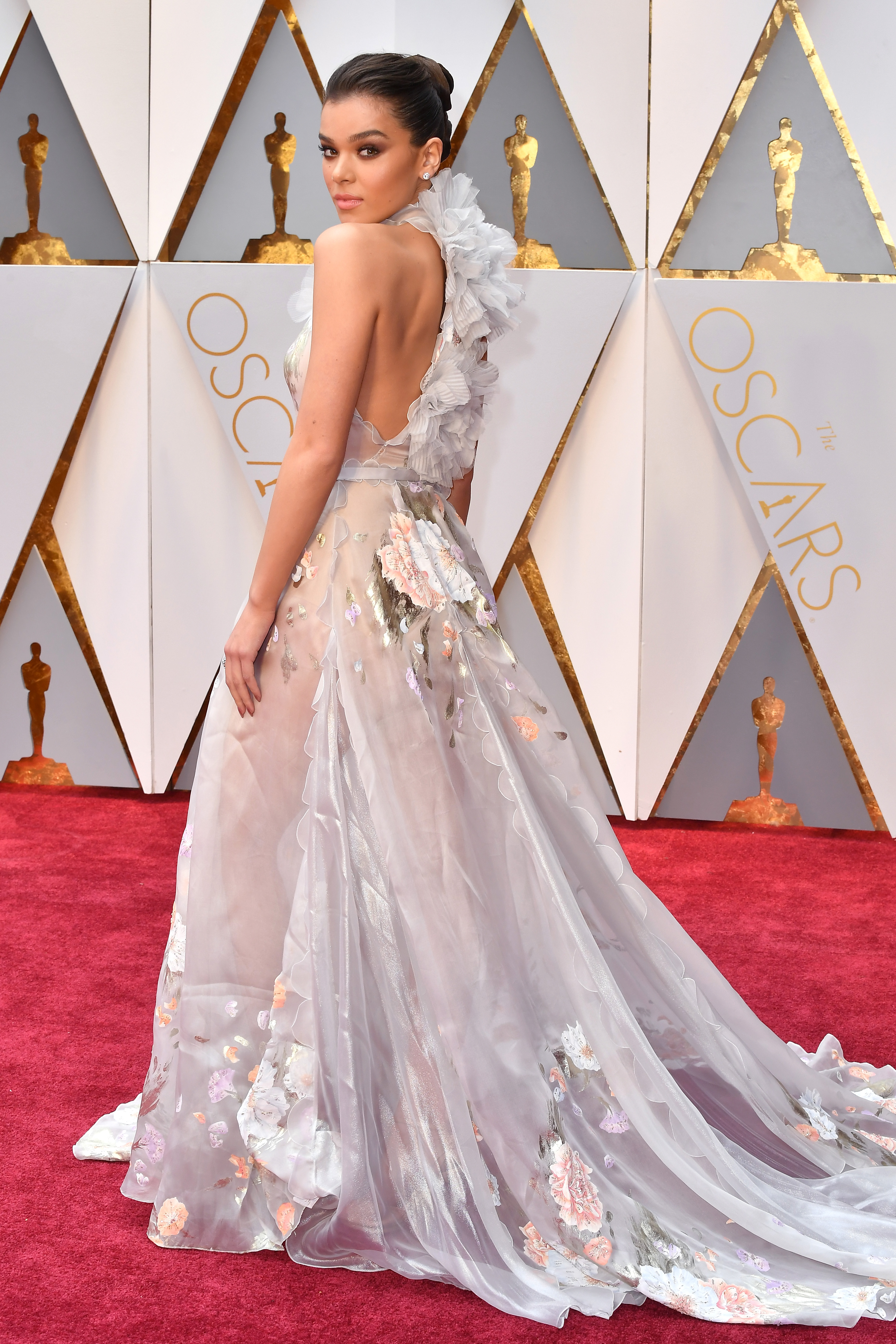 Hailee Steinfeld Looks Like She Just Stepped Out Of A Real