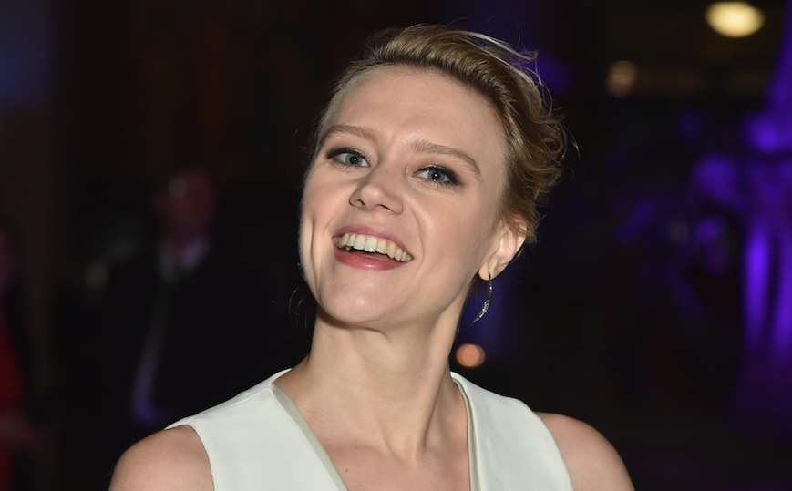 "Kate McKinnon's sparkly Oscars gown just took ""the little black dress"" to a whole new level"