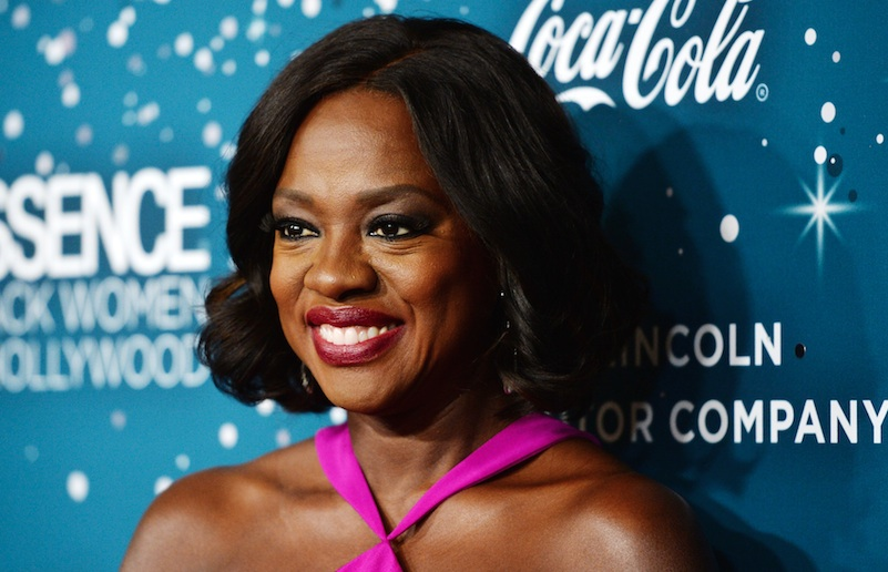 Viola Davis wore red so well at the 2017 Oscars that we kinda think no one else should get to wear it