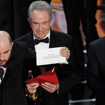 The internet has so very many thoughts on last night's Oscars snafu