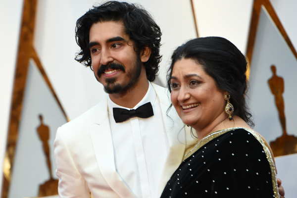 Dev Patel brought his mom to the Oscars, and now we're even more obsessed with him