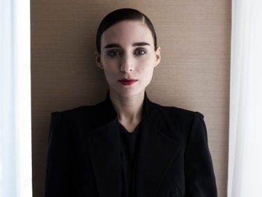 "Rooney Mara rocked this eco-conscious H&M gown at the ""Vanity Fair"" Oscar Party"