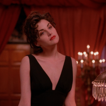 "This ""Twin Peaks""-inspired runway show would make Audrey Horne proud"