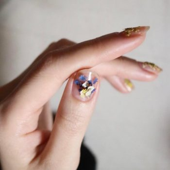 This new nail art trend looks like a tiny bouquet of flowers on your fingertips