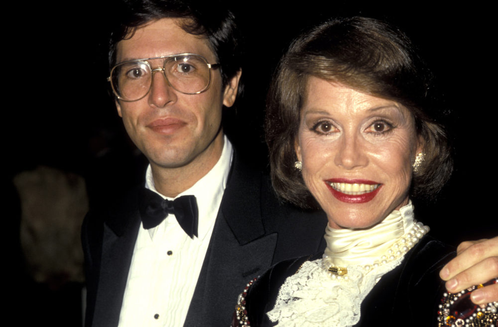 "Mary Tyler Moore's husband broke his silence with a heartbreaking statement on her ""fearless"" life"