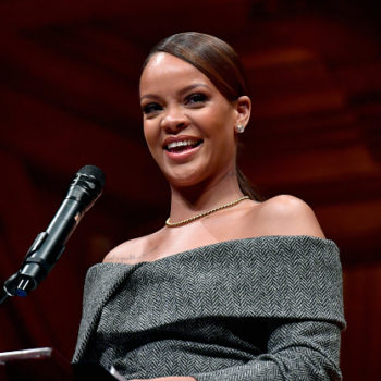"Rihanna's personal chef says the singer is a"" moody eater,"" proving that she's basically all of us"