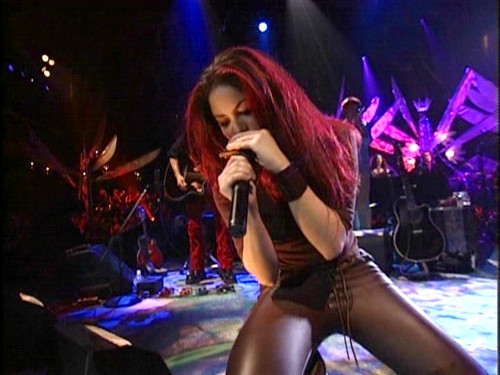 """Before """"Whenever, Wherever,"""" we had Shakira's incredible """"MTV Unplugged"""" album"""