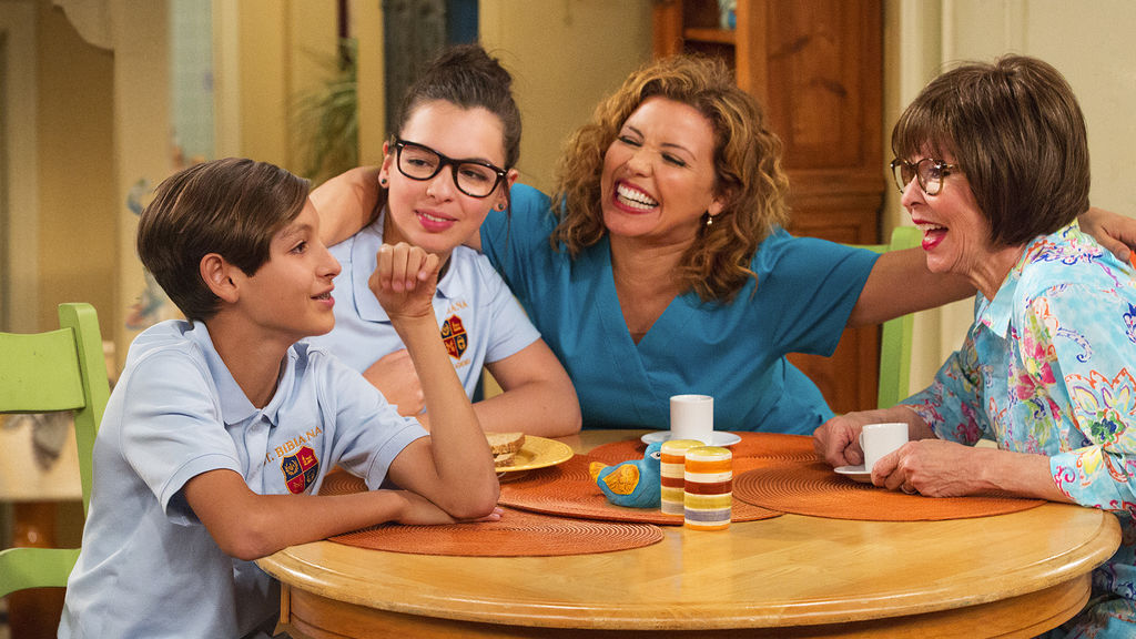 """It's confirmed: """"One Day At A Time"""" is returning for a second season!"""