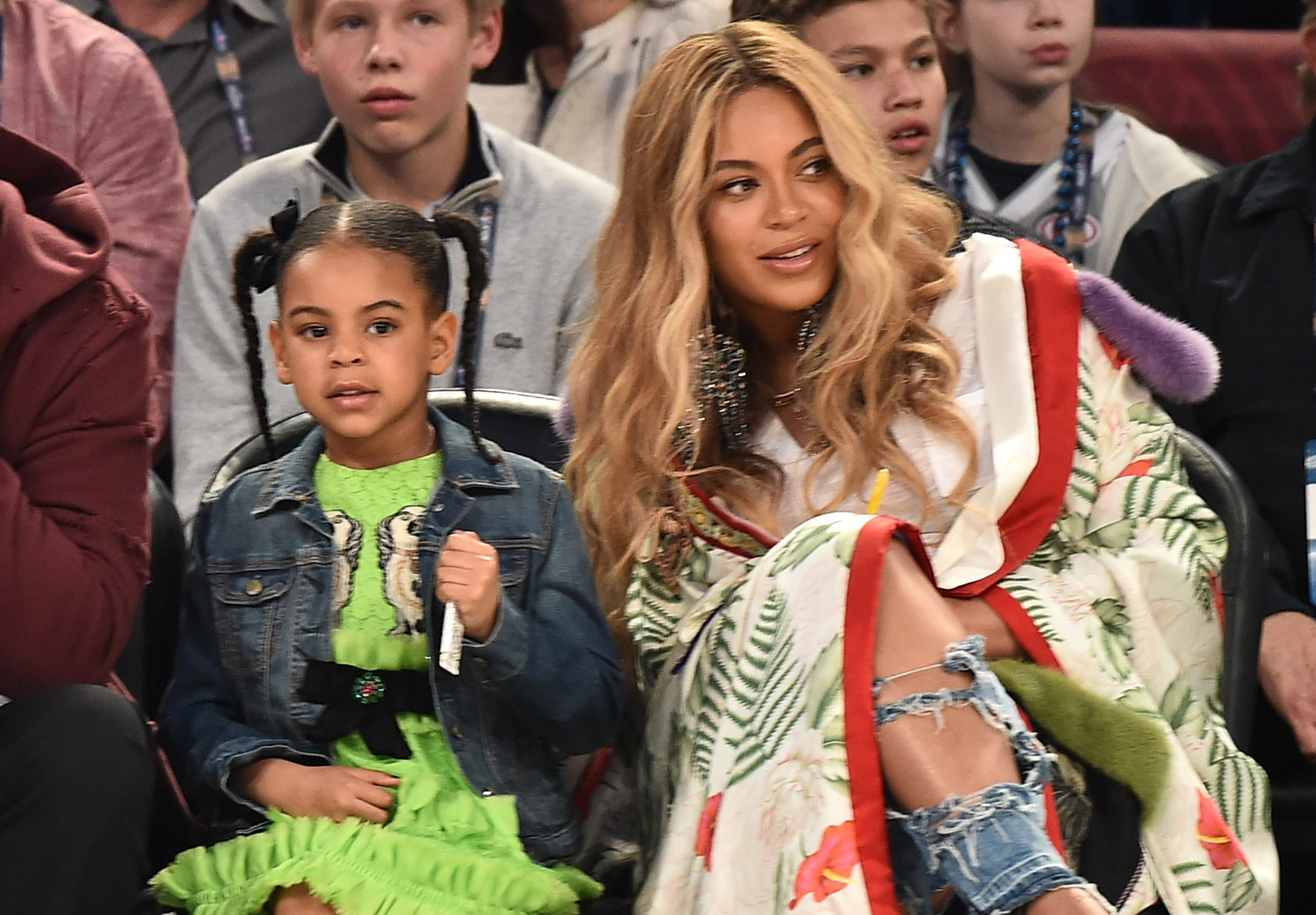 A pregnant Beyoncé and Blue Ivy are matching garden goddesses in green