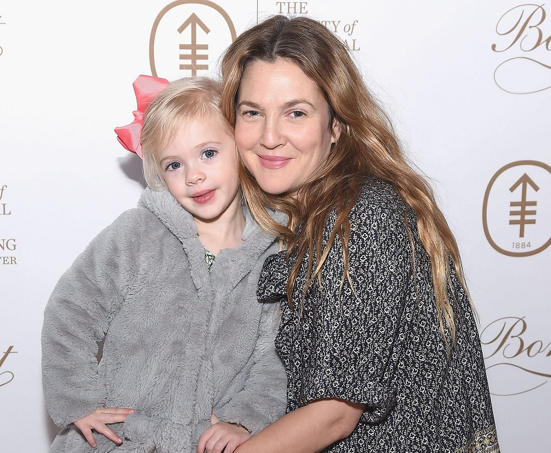 Drew Barrymore's daughter Frankie met the Easter Bunny, and, cuteness overload!