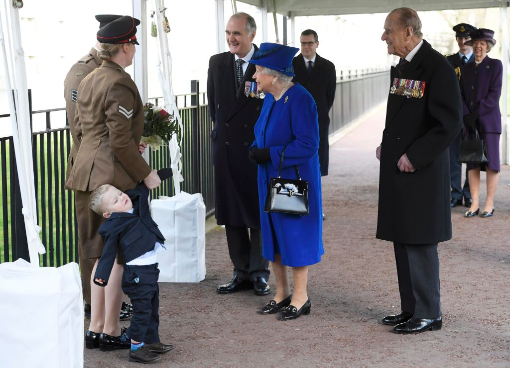 Queen Elizabeth had a supremely wonderful reaction to this toddler's tantrum