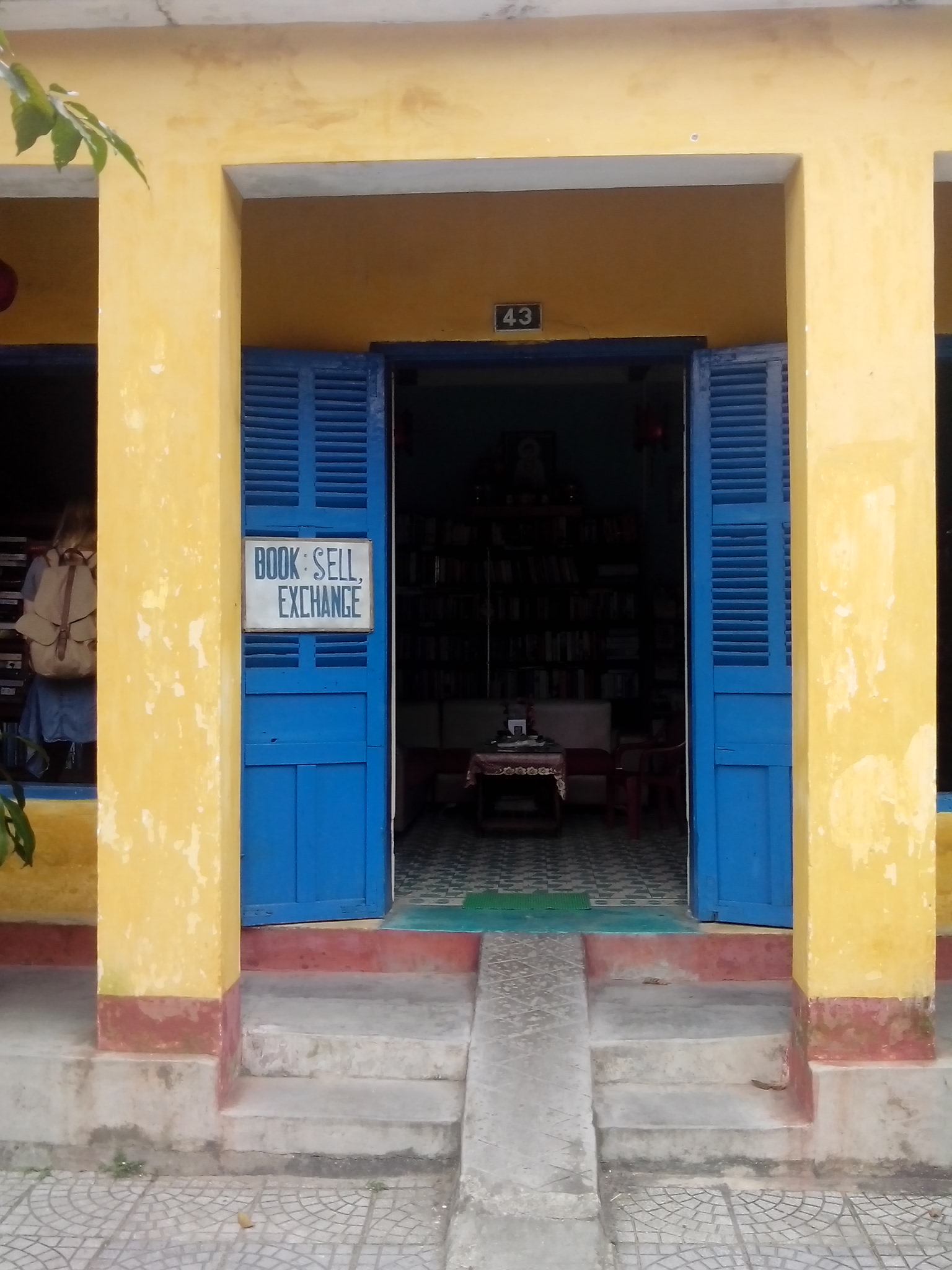 hoi an book exchange