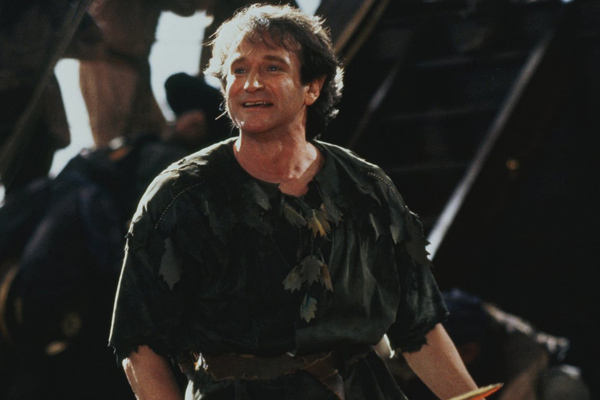 "Robin Williams played this perfectly childlike prank on the cast of ""Hook"""