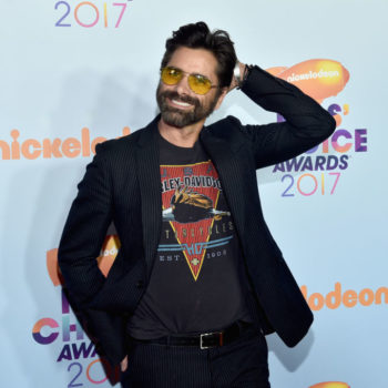 """John Stamos is *still* making our hearts flutter more than 20 years after """"Full House"""""""