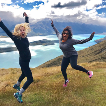 Mindy Kaling and Reese Witherspoon are total coworkers-turned-friends #goals